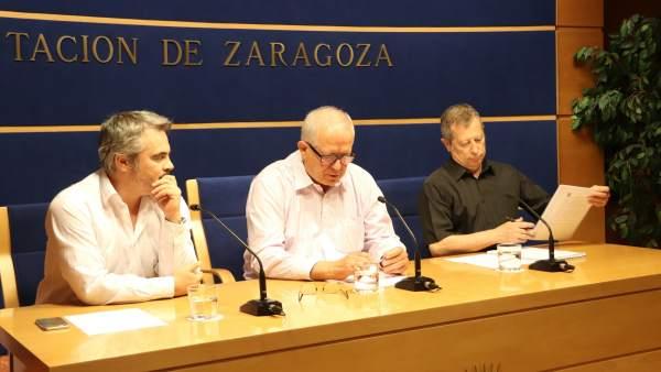 Gregorio Sánchez, Martín Llanas y Francisco Martínes en la rueda de prensa.