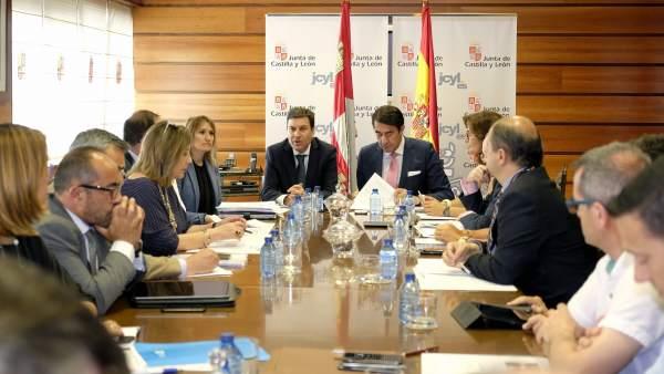 Reunión sobre el Plan de Empleo Forestal Local entre Junta y diputaciones