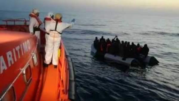 Operación de rescate de inmigrantes en Mar de Alborán 8d26739ce1a
