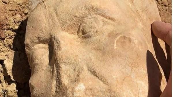 Busto de una posible diosa egipcia del Siglo II.