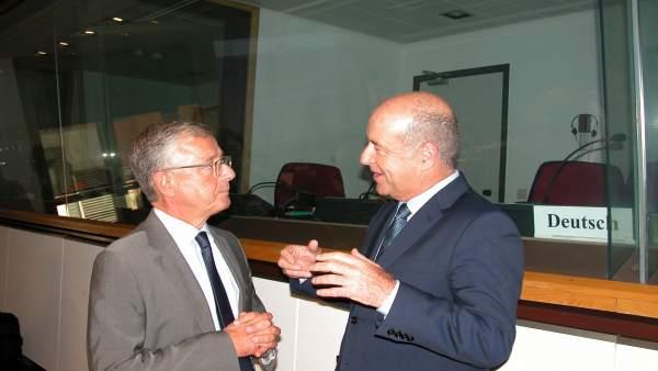Joao Aguiar, director General de Asuntos Marítimos y Pesca, y Ortega