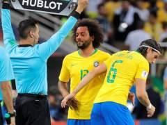 Marcelo se retira, lesionado, del encuentro entre Brasil y Serbia