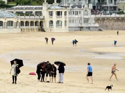 Día de lluvia y playa en San Sebastián