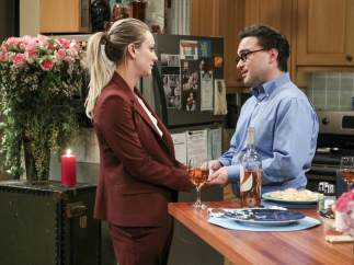 Kaley Cuoco y Johnny Galecki ('The Big Bang Theory')