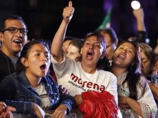 Alegría por la victoria de Obrador