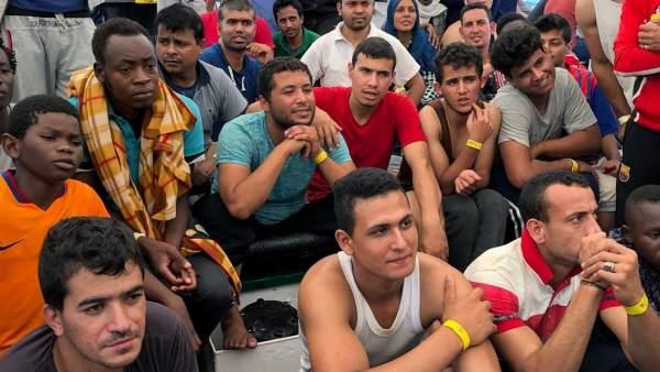 Rescate de migrantes en costa de Libia.