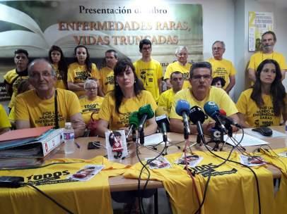 Rosa García y Francisco Ureña (centro) en la rueda de prensa en la sede de Remps