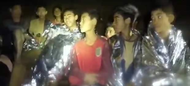 Niños atrapados en una cueva de Tailandia