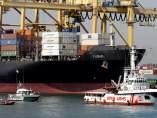 El barco Open Arms llegó este miércoles por la mañana al Puerto de Barcelona para desembarcar a los 60 inmigrantes, entre ellos 5 mujeres y 5 menores, que fueron rescatados el pasado 30 de junio frente a las costas de Libia.