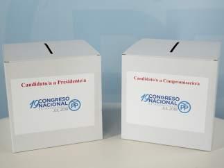 Urnas donde los afiliados depositarán su voto al candidato a la presidencia del PP y para elegir compromisarios.