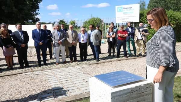 Armisén inaugura los actos del 50 cumpleaños de La Olmeda