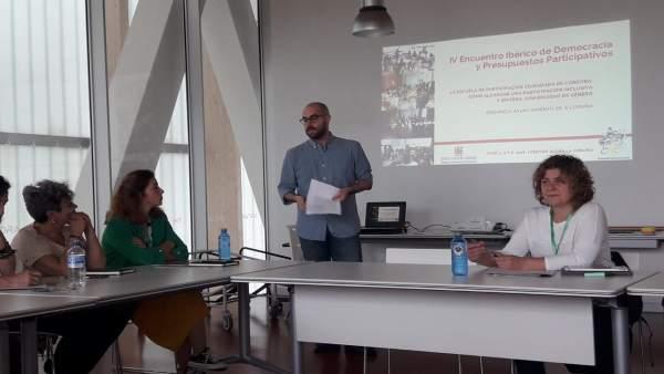 Doblas (dcha.), durante en el Encuentro de Participación