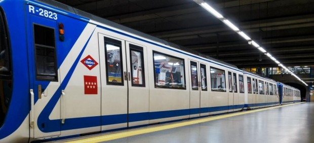 Un hombre mata a otro al empujarle a las vías del metro en Madrid y es detenido