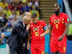 Roberto Martínez da indicaciones a Hazard en presencia de Romelu Lukaku.