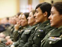 Defensa reduce la altura mínima de las mujeres