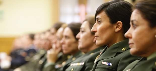 Defensa reduce la altura mínima de las mujeres para evitar la discriminación que suponía exigir ...