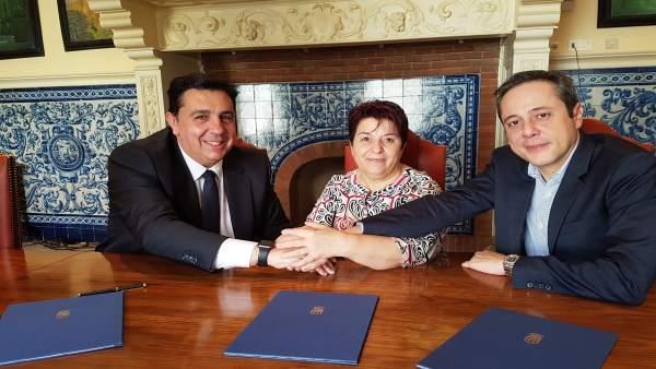 Firma del acuerdo con Telefónica