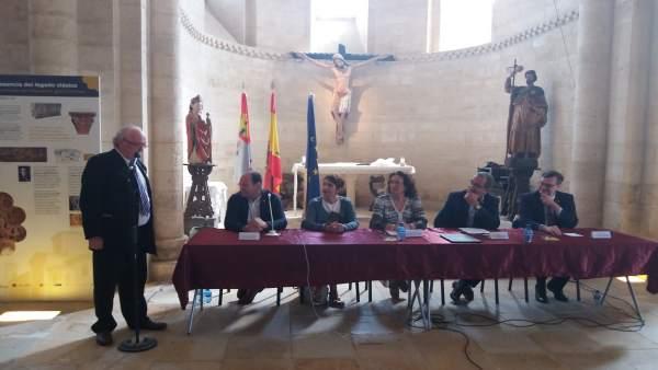Los firmantes del acuerdo de la Junta y La Borgoña