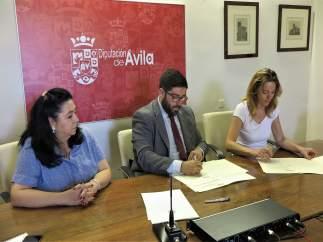 Firma Del Acuerdo Con El Centro De Personas Sordas
