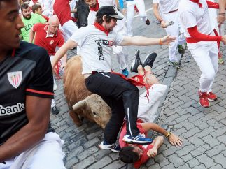 Arrastrados por un toro