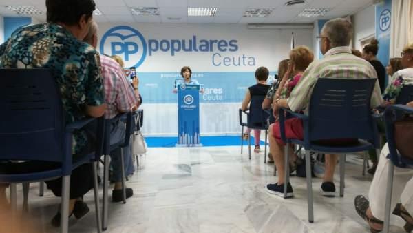 Soraya Sáenz de Santamaría en un acto en la sede del PP de Ceuta
