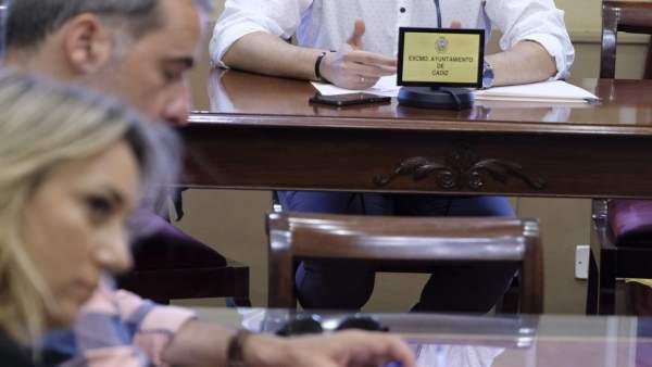 Martín Vila en rueda de prensa
