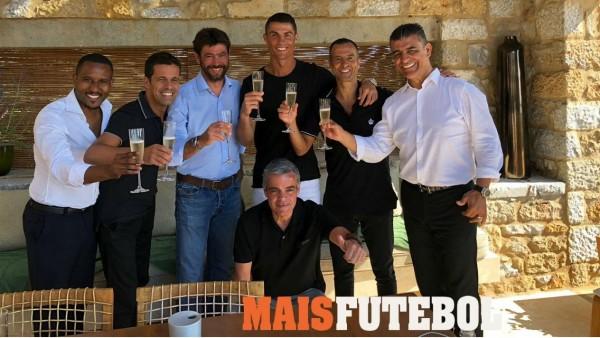 Cristiano Ronaldo brinda junto a Agnelli