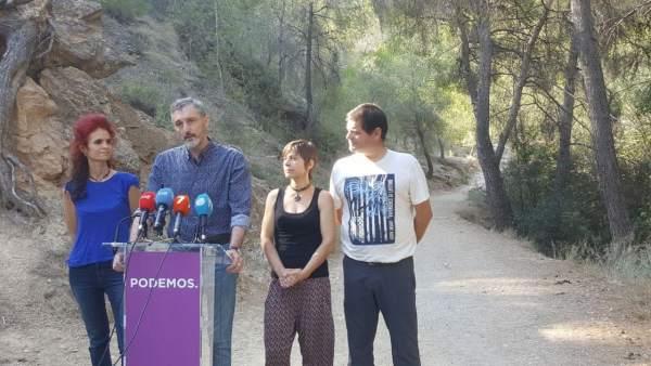 Urralburu y Pedreño, junto a miembros de la Federación de Montañismo