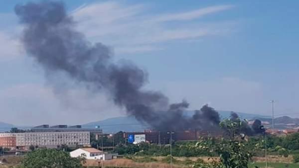 Imagen del humo tomada por los Bomberos