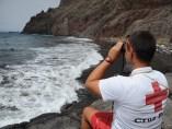 Un socorrista de la Cruz Roja