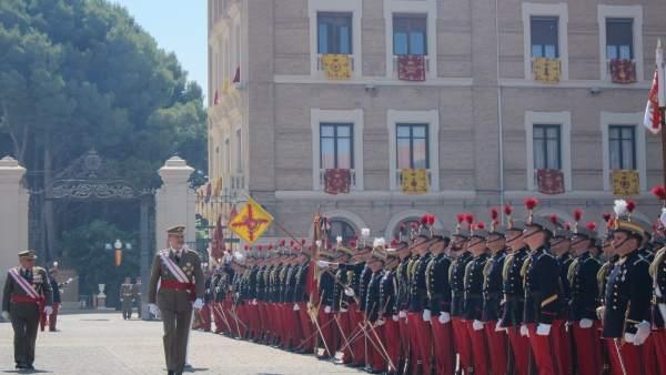 El Rey Felipe VI ha asistido hoy a la entrega de Reales Despachos en la AGM