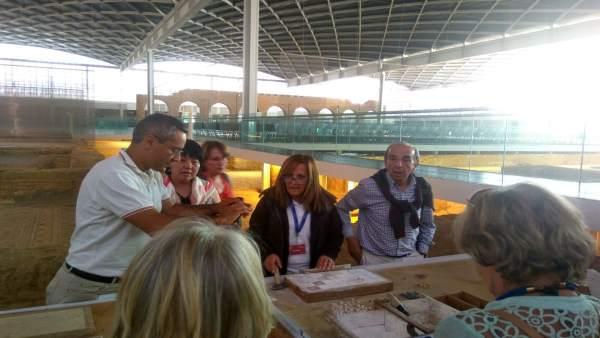 Los periodistas extranjeros en la Villa de La Olmeda 12-7-2018