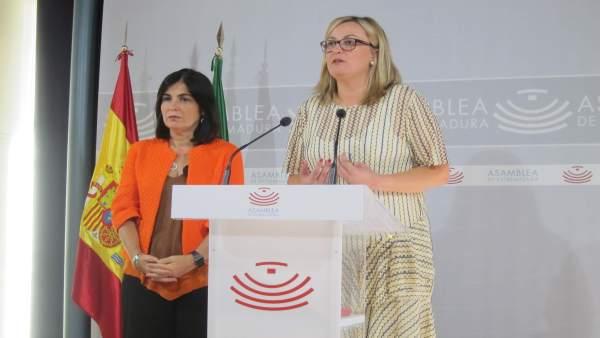 La presidenta de la Asamblea de Extremadura y la del Parlamento de Canarias