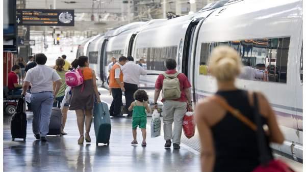 Els valencians, els segons que menys gastaran viatjant aquest estiu