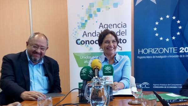 Manuel Torralbo y Lina Gálvez, en rueda de prensa.