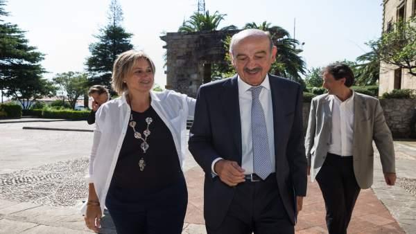 La alcaldesa de Camargo recibe al consejero de Obras Públicas