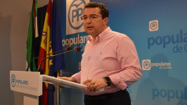 [Cáceres] Fotos Rueda De Prensa De Fernando Manzano