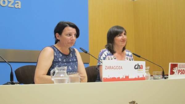 Leticia Crespo, de CHA, y Lola Ranera, del PSOE en el Ayuntamiento de Zaragoza
