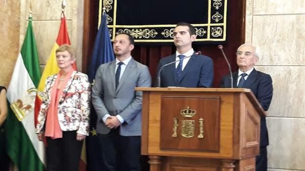 Rumí, Gómez de Celis, Fernández-Pacheco y De la Fuente en Subdelegación