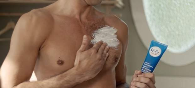 Dermatólogos reconocen que la espuma de afeitar con mentol alivia quemaduras leves por el sol
