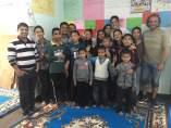 Carlos Pauner con beneficiarios de su fundación en Nepal