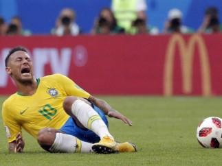 Los piscinazos de Neymar