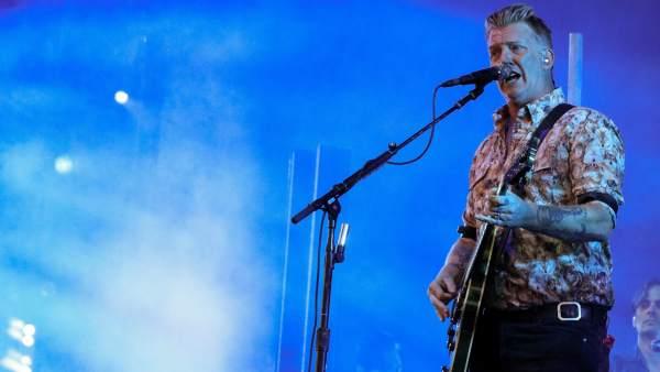 El cantante Josh Homme durante la actuación de esta madrugada