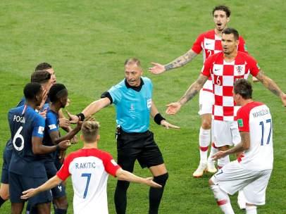 El árbitro Pitana