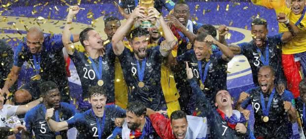 Francia gana su segundo Mundial tras golear a una gran Croacia