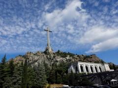 El Gobierno busca una fórmula jurídica para exhumar los restos de Franco