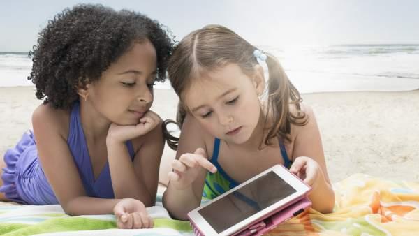 Francia prohíbe el uso del teléfono móvil en las escuelas