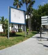 Vallas retiradas por Ayuntamiento de Marbella vía pública sin permiso