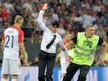 Integrante de Pussy Riot en la final del Mundial