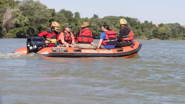 Responsables municipales han recorrido hoy el tramo urbano del río Ebro